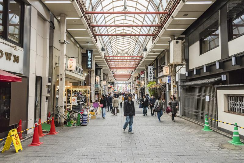 Calle Asakusa Tokio de las compras de Shin-Nakamise fotografía de archivo