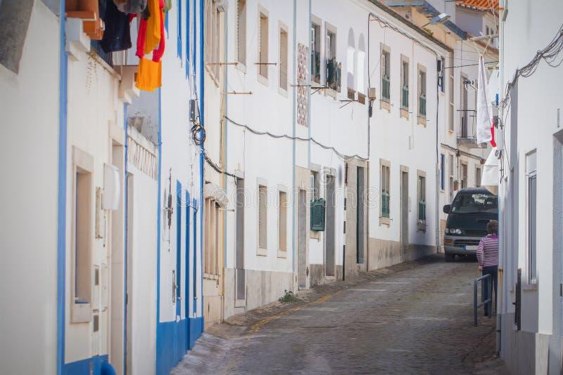 Calle blanca en Ericeira Portugal imagen de archivo libre de regalías