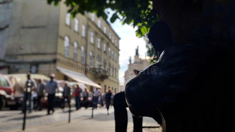Calle borrosa de la ciudad fotografía de archivo