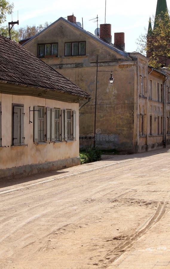 Calle Con Las Casas De Madera Viejas En Kuldiga, Letonia ... - photo#24