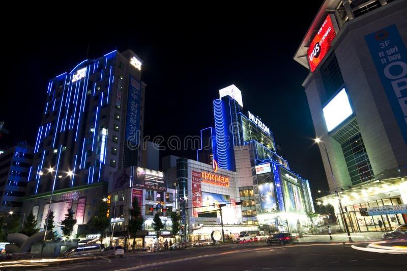 Calle coreana en la noche imagen de archivo libre de regalías