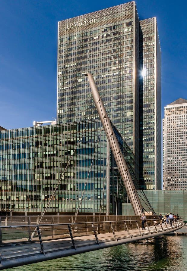 Calle de 25 bancos en Canary Wharf imagen de archivo libre de regalías