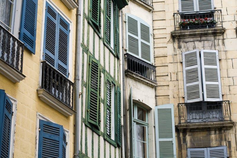 Calle de Bayonne, Francia. fotografía de archivo