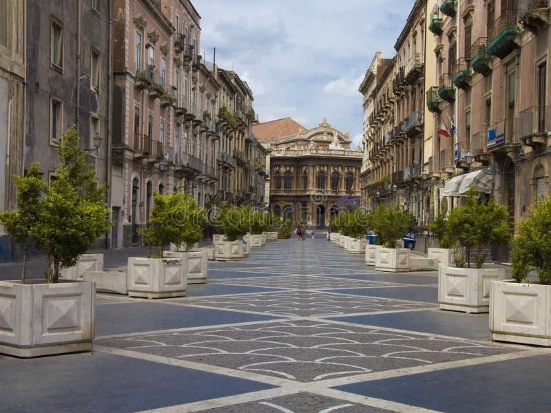 Calle de Catania, Italia fotografía de archivo
