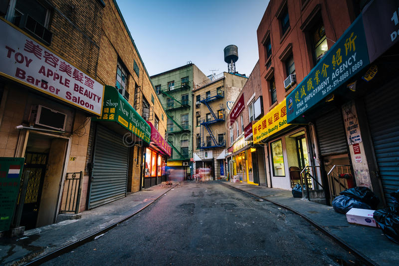 Calle de Doyers en Chinatown, Manhattan, Nueva York imagen de archivo