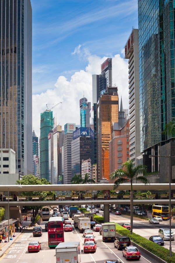 Calle de Hong Kong Downtown apretada con transporte foto de archivo libre de regalías