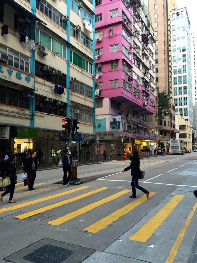 Calle de Hong Kong Island del paso de peatones en el paso de peatones; rascacielos fotos de archivo libres de regalías
