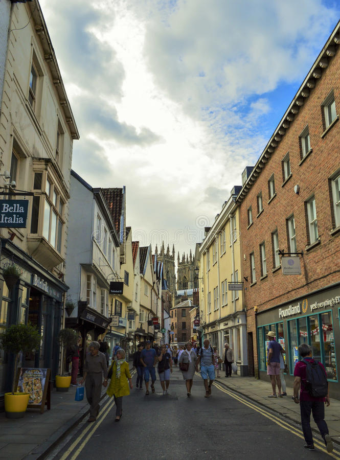 Calle de la ciudad, paisaje urbano en Durham, Inglaterra imagen de archivo libre de regalías