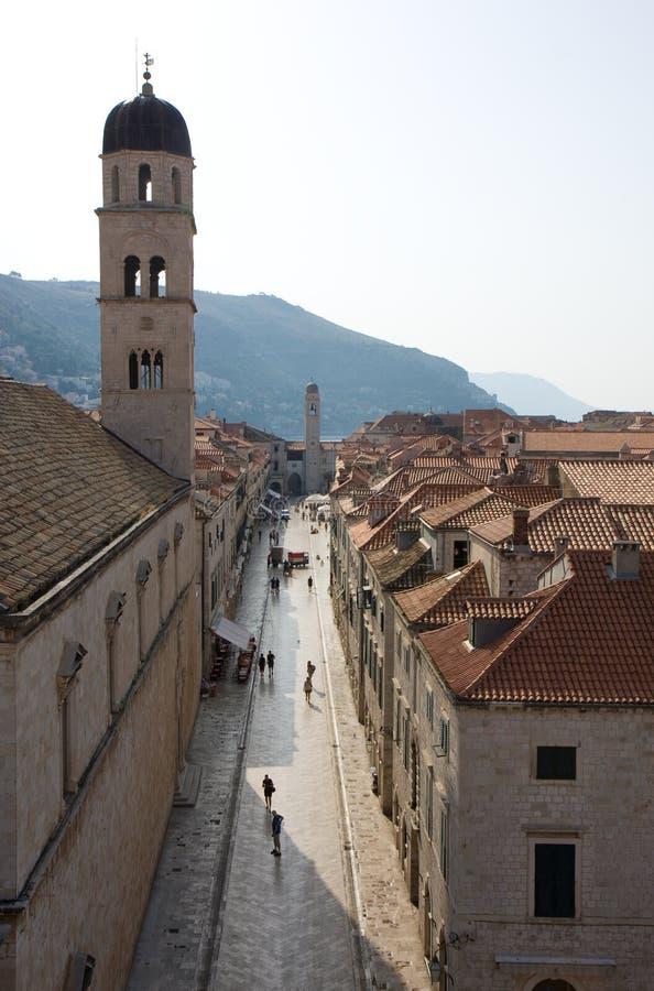 Calle de la ciudad vieja de Dubrovnik imagenes de archivo