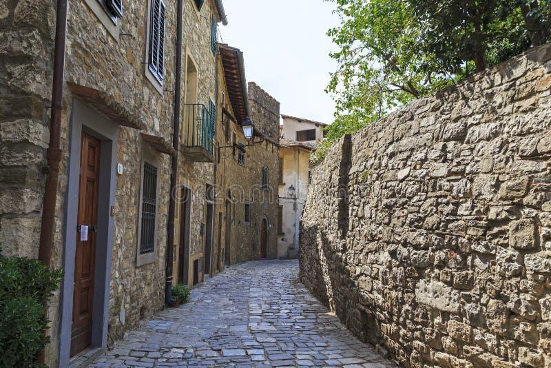 Calle de la ciudad vieja en Toscana foto de archivo libre de regalías