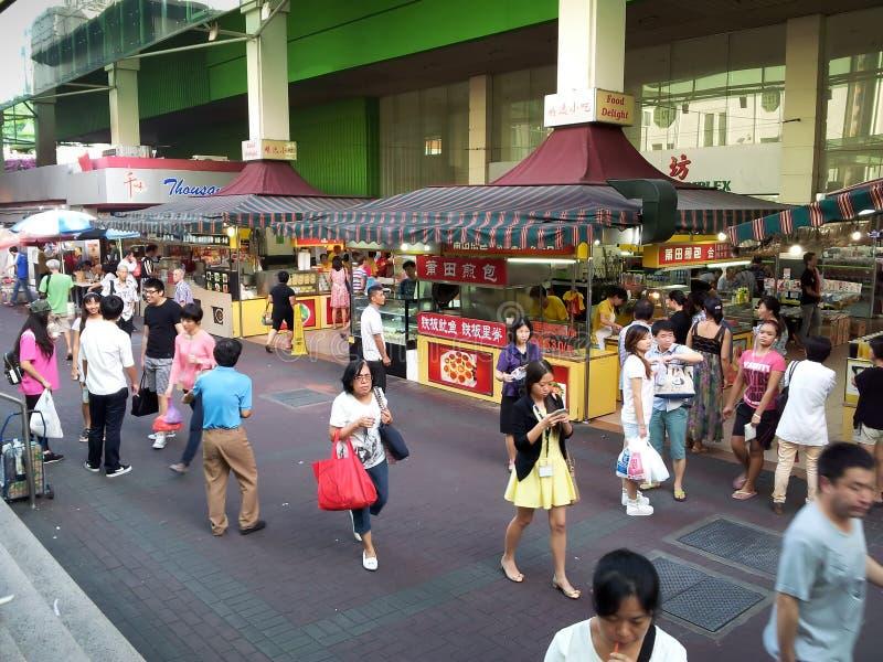Calle de la comida en Chinatown, Singapur foto de archivo
