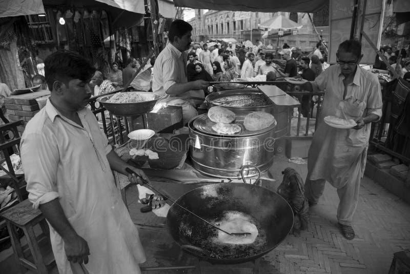 Calle de la comida, puerta Lahore, Paquistán de Delhi fotos de archivo libres de regalías