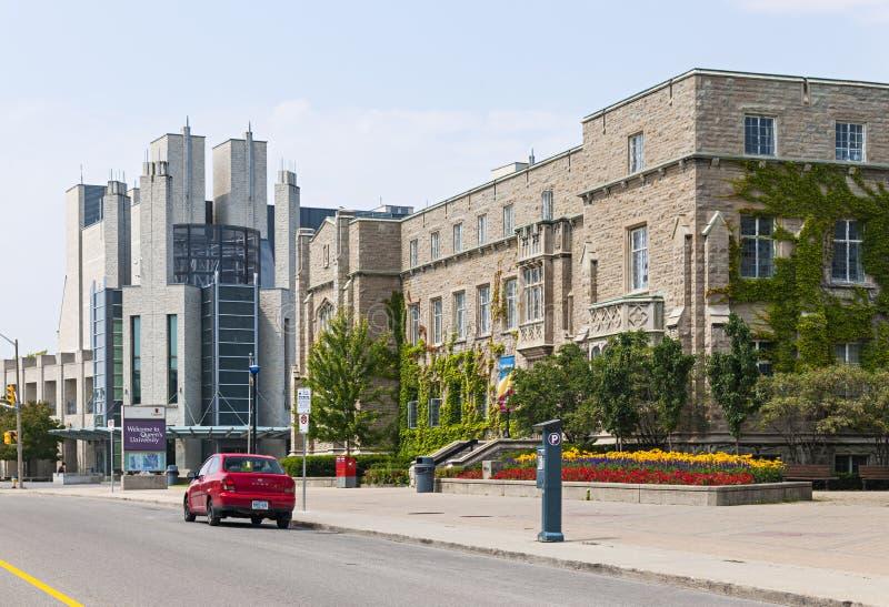 Calle de la unión en el campus universitario de la reina foto de archivo libre de regalías