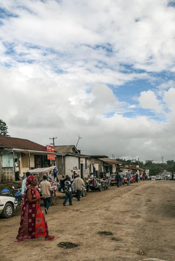 Calle de las compras en Arusha fotos de archivo