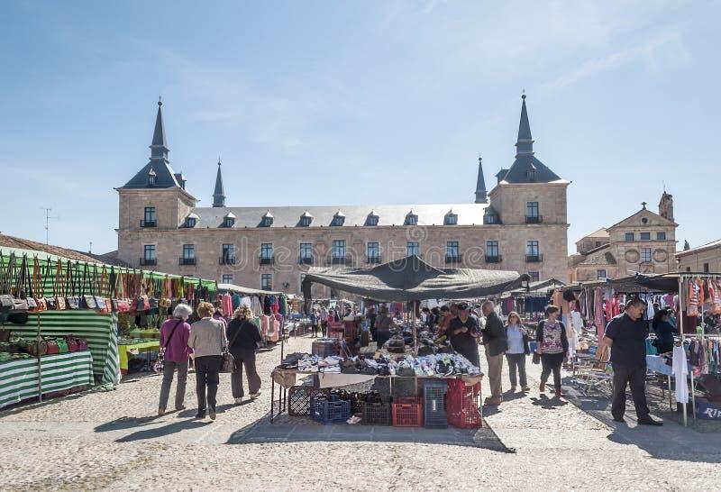 Calle de las compras en Lerma imagenes de archivo