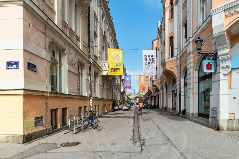 Calle de Novi Sad en el centro de ciudad imagen de archivo libre de regalías
