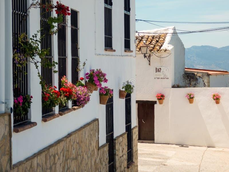 Calle de Olvera, willage blanco de Andalucía, lugar famoso, España fotografía de archivo