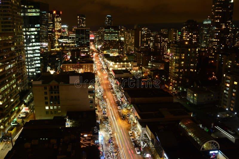 Calle de Robson en la noche en Vancouver foto de archivo libre de regalías