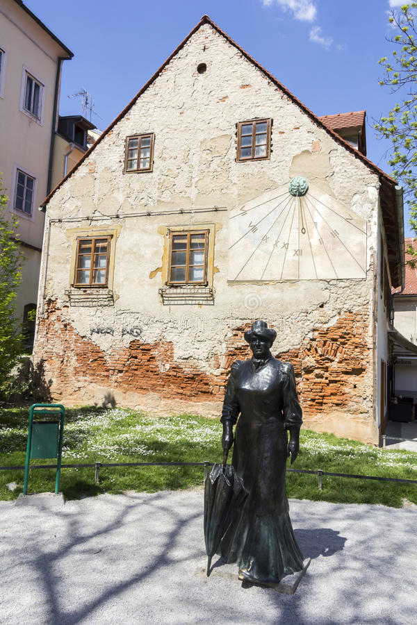 Calle de Tkalciceva en la capital de Zagreb de Croacia fotografía de archivo libre de regalías