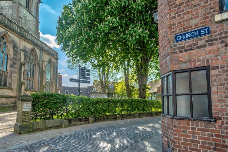 Calle del castillo en Shrewsbury imagenes de archivo