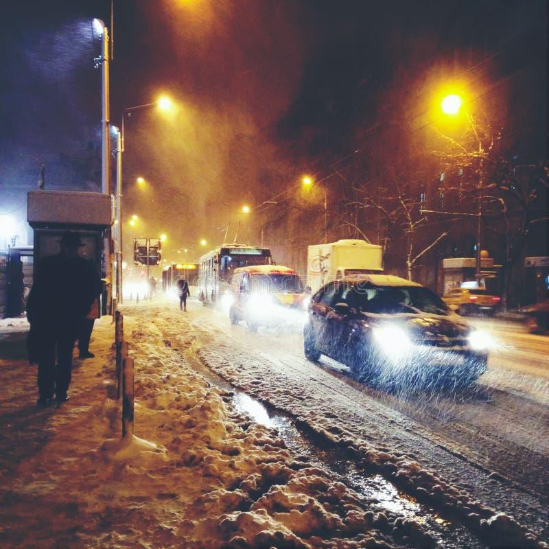 Calle del invierno de la noche fotografía de archivo libre de regalías
