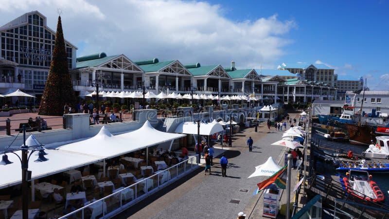 Calle del muelle en área de la costa en Cape Town, Suráfrica fotos de archivo