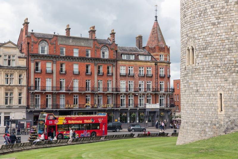 Calle del Támesis de Streetview fuera de las paredes del castillo de Windsor, En fotos de archivo libres de regalías