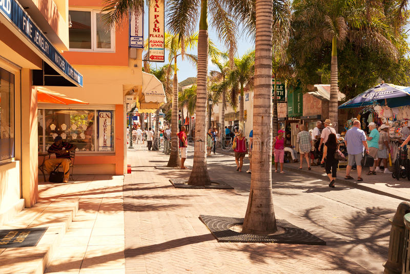 Calle delantera ocupada en St. Maarten fotos de archivo libres de regalías