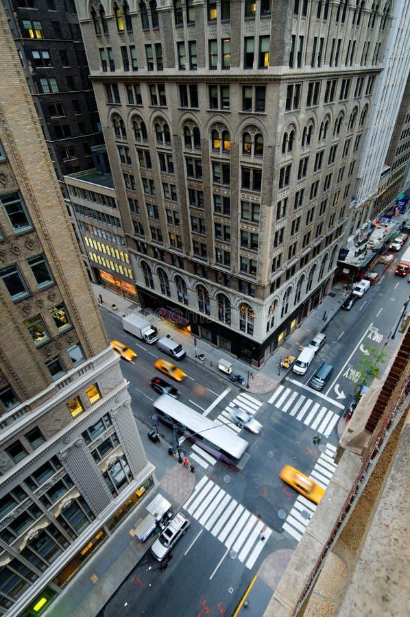 Calle e intersección de la ciudad fotografía de archivo libre de regalías