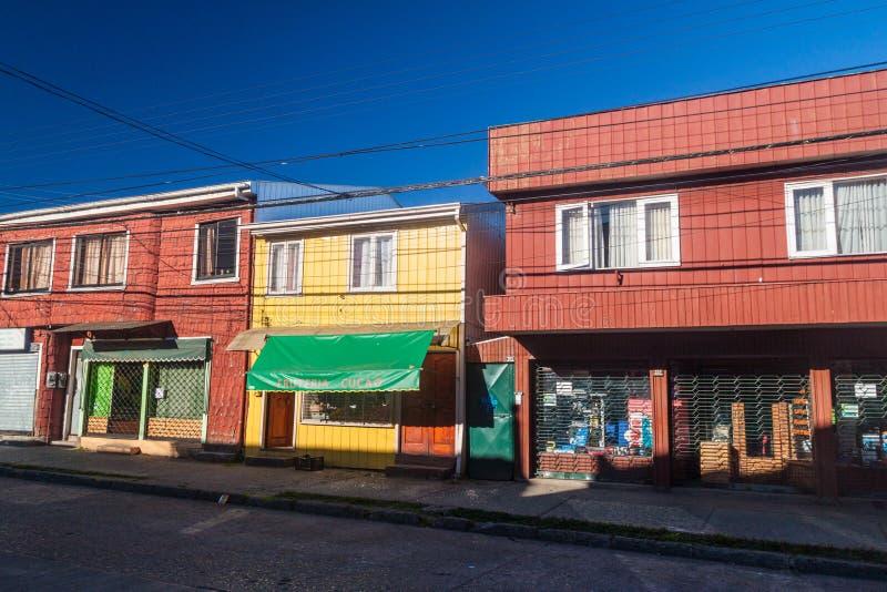 Calle en Castro, isla de Chiloe foto de archivo