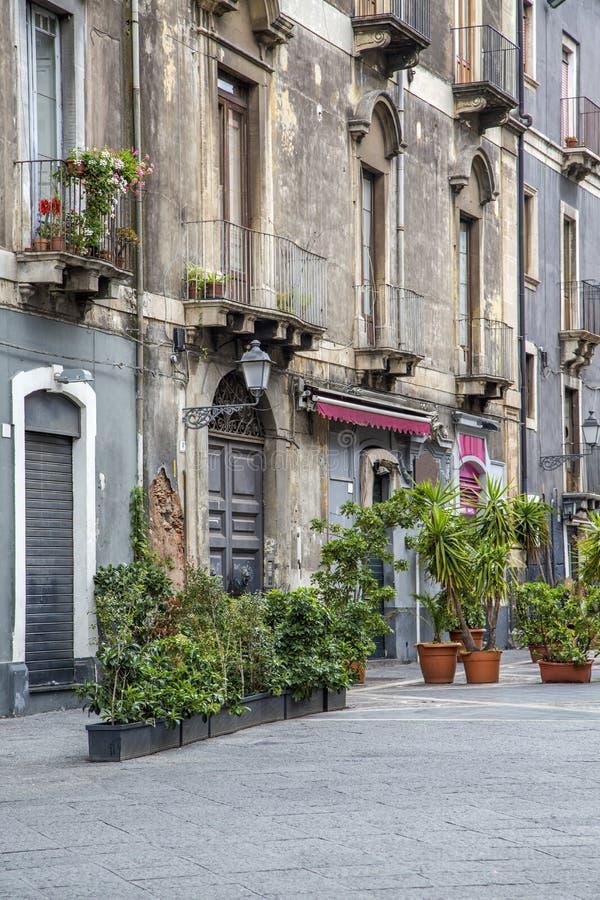Calle en Catania, Italia fotografía de archivo