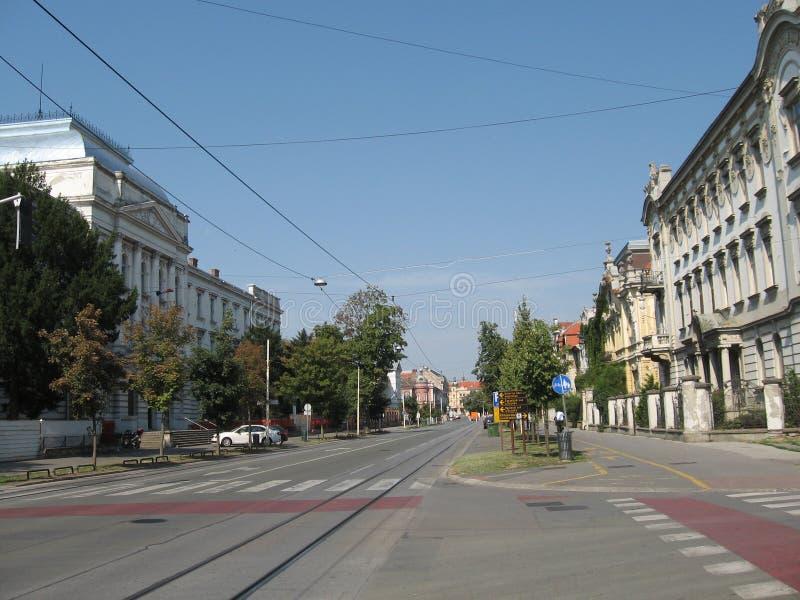 Calle en ciudad del osijek imagenes de archivo