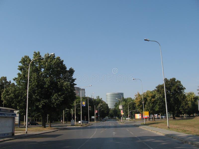 Calle en ciudad del osijek fotos de archivo