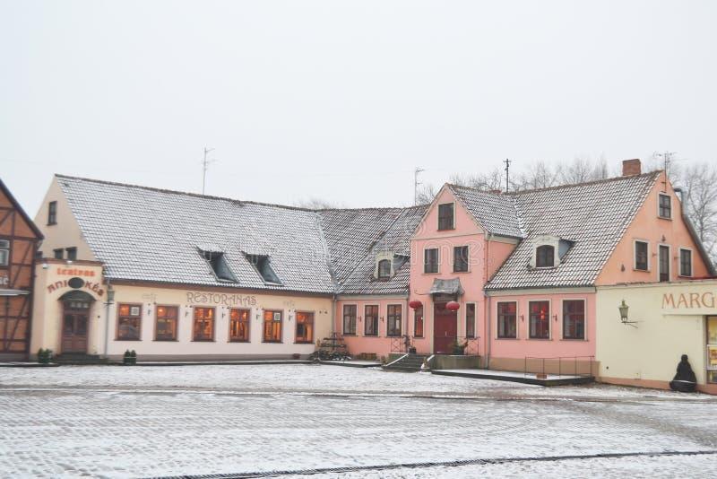 Calle en el centro de Klaipeda fotografía de archivo