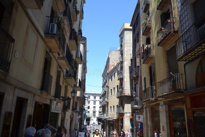 Calle en el cuarto gótico de Barcelona. fotografía de archivo