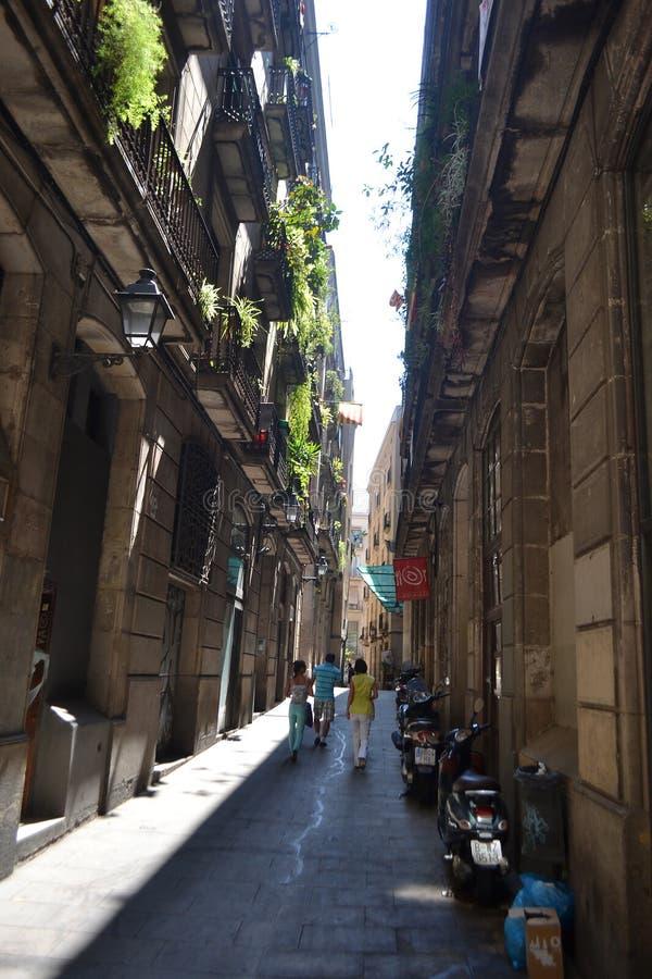 Calle en el cuarto gótico de Barcelona. fotos de archivo