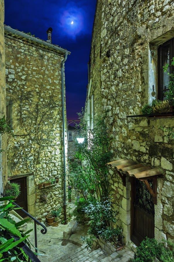 Download Calle En El Pueblo Viejo Tourrettes-sur-Loup En La Noche, Francia Imagen de archivo - Imagen de abandonado, cobbled: 64205197