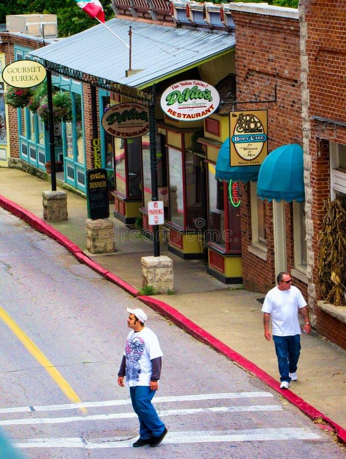 Calle en Eureka Springs, Arkansas fotografía de archivo