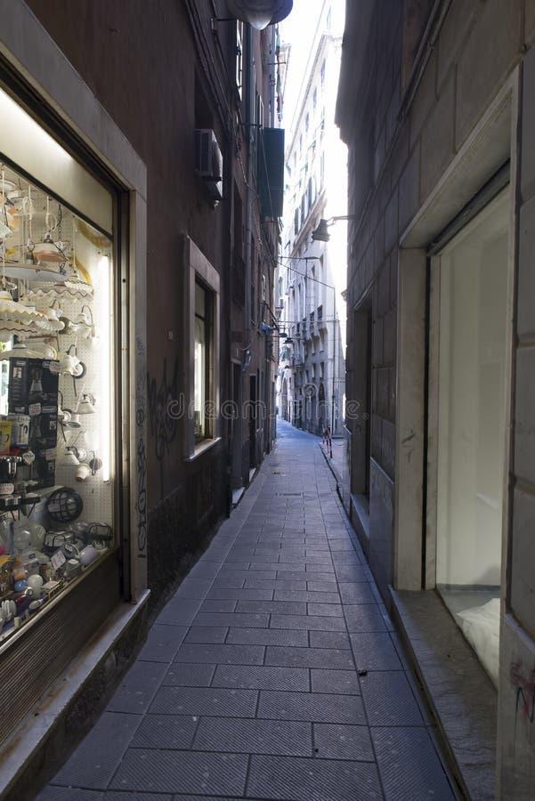 Download Calle en Génova foto editorial. Imagen de envejecido - 44855586