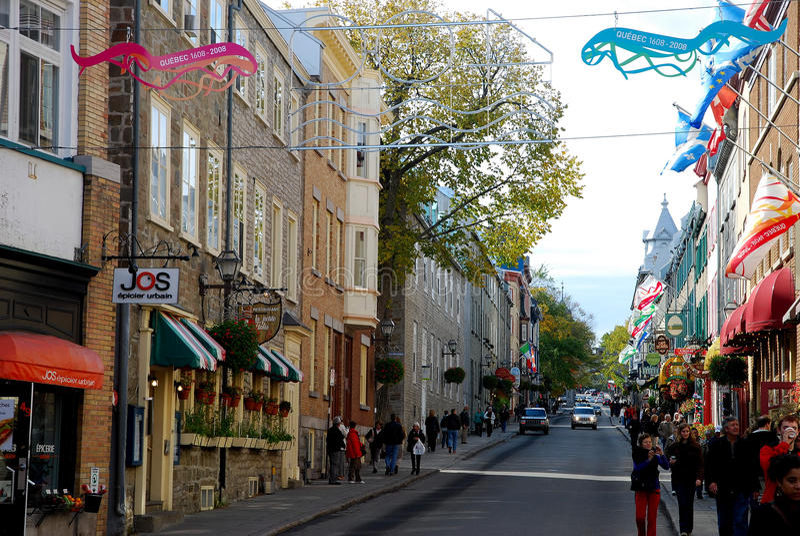 Calle en la ciudad de Quebec, Canadá fotos de archivo