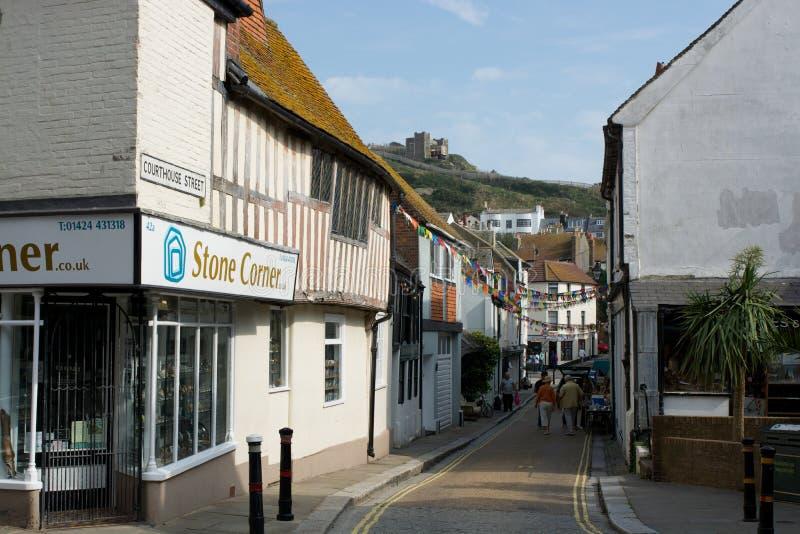 Calle en la ciudad vieja de Hastings inglaterra fotos de archivo libres de regalías