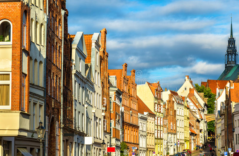 Calle en la ciudad vieja de Lubeck - Alemania fotografía de archivo