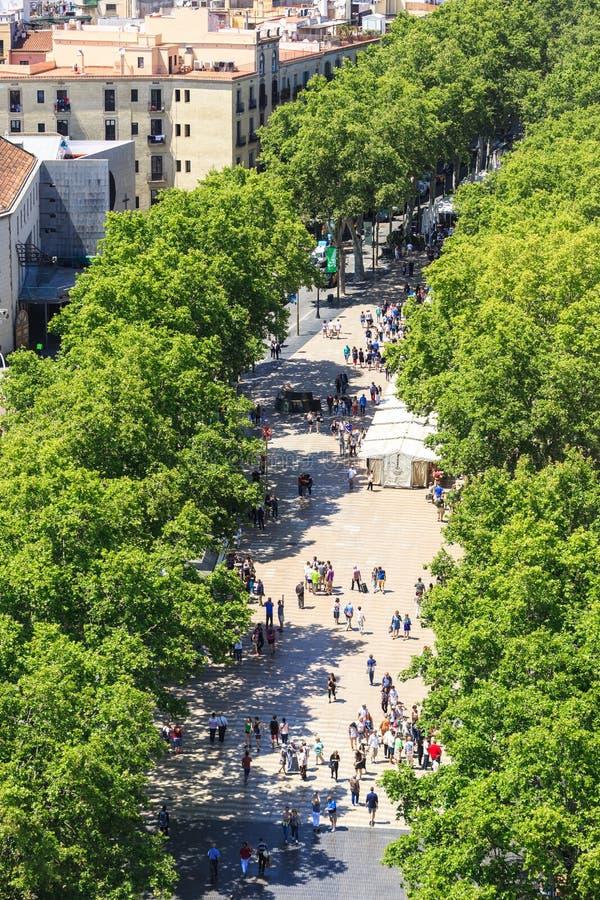 Calle famosa de Rambla del La en el centro de Barcelona imágenes de archivo libres de regalías