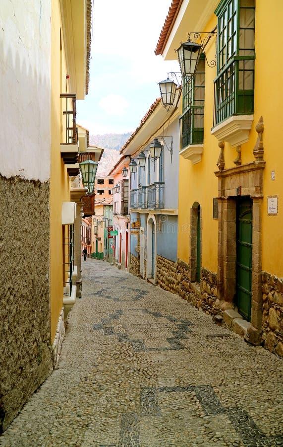 Calle Jaen, la rue étroite artistique avec des plusieurs bâtiment historique dans La Paz, Bolivie images libres de droits