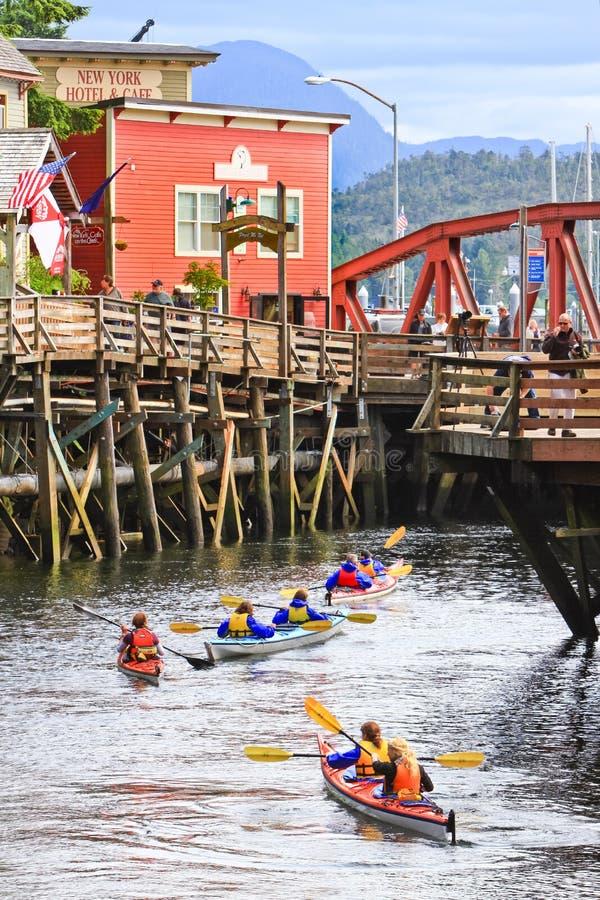 Calle Kayaking de la cala de Alaska imagen de archivo libre de regalías
