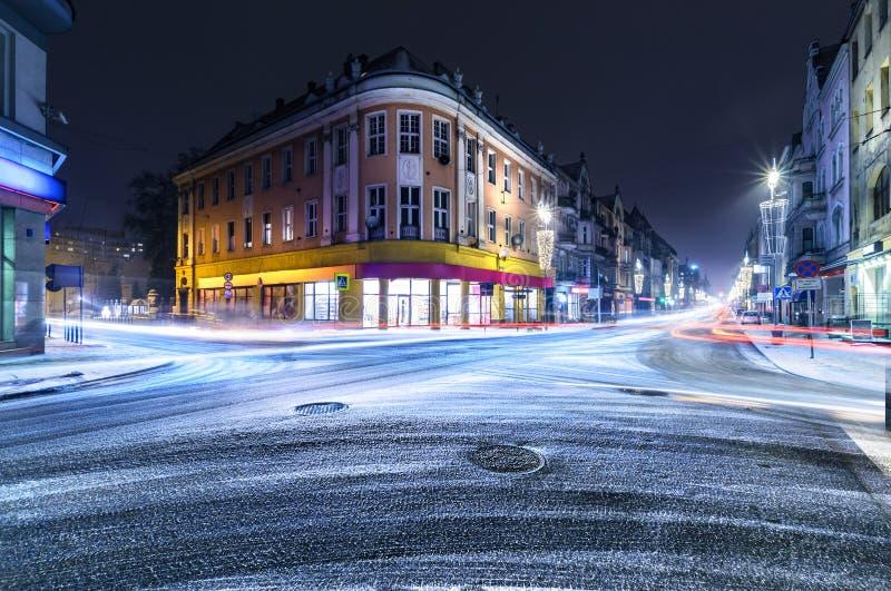 Calle Nevado en la Gliwice adornada por las luces de la Navidad foto de archivo
