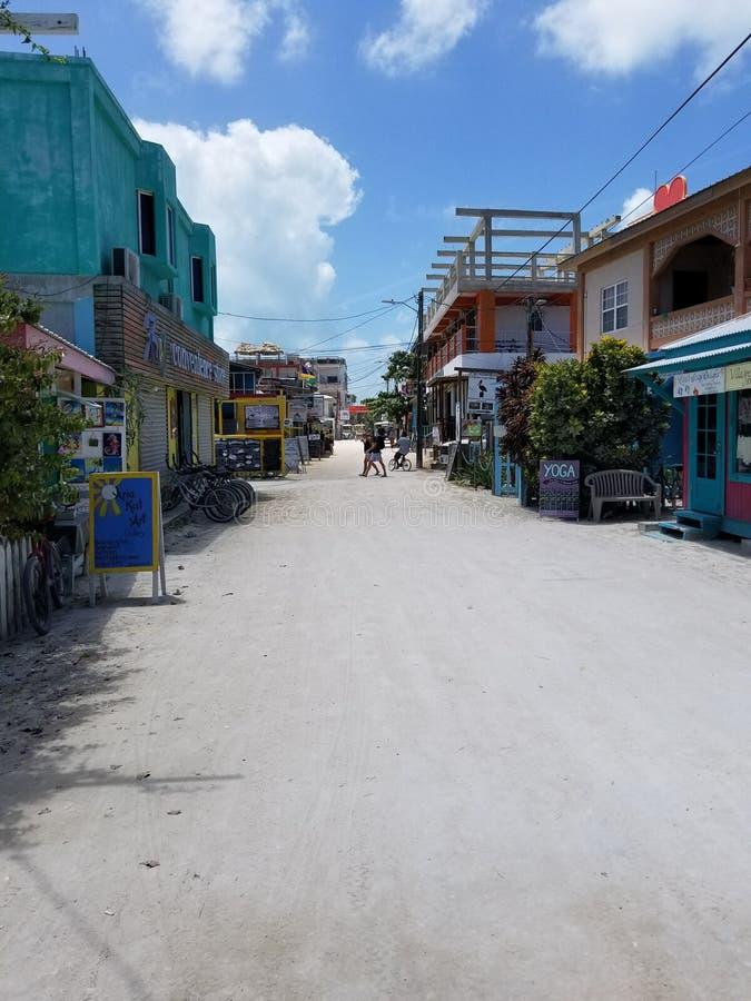 Calle peatonal en el calafate de Caye fotografía de archivo
