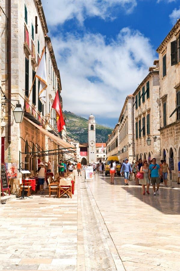 Calle peatonal en Dubrovnik imagenes de archivo