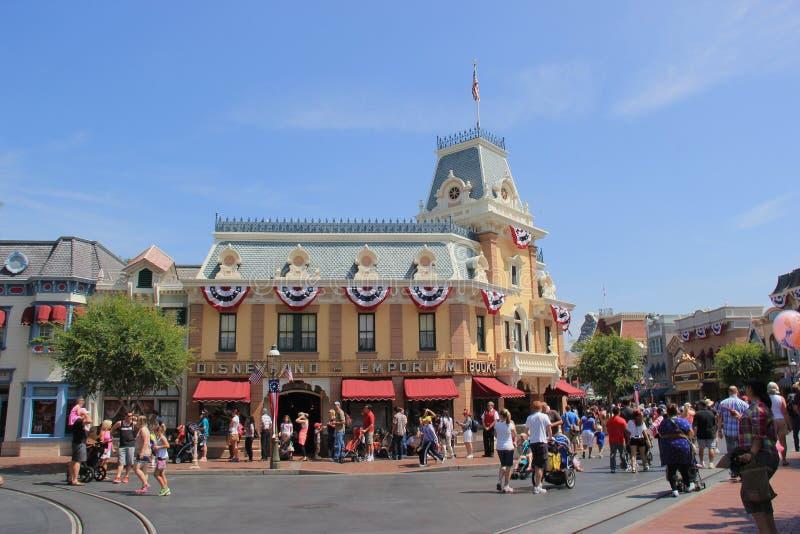 Calle principal los E S A en Disneyland imagen de archivo libre de regalías
