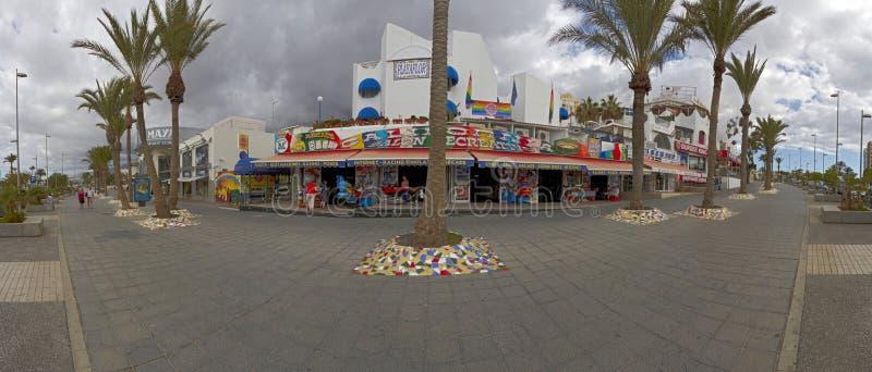 Calle si ciudad del Los Américas, Tenerife, islas Canarias, España fotos de archivo